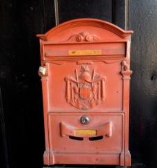 A little neighbourhood humour: amusing reproduction mailbox.